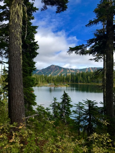Views over Battleship Lake to Mount Washington